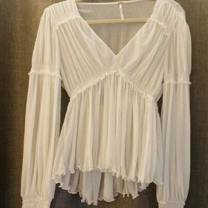 Free People white top !